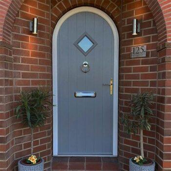 Solidor-Font-Doors